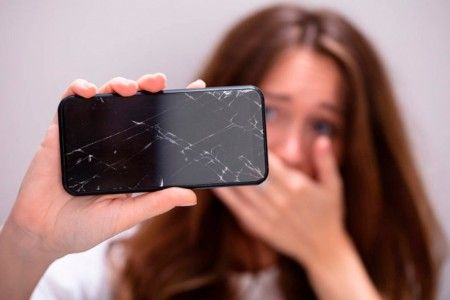 Is it worth changing the cell phone screen?